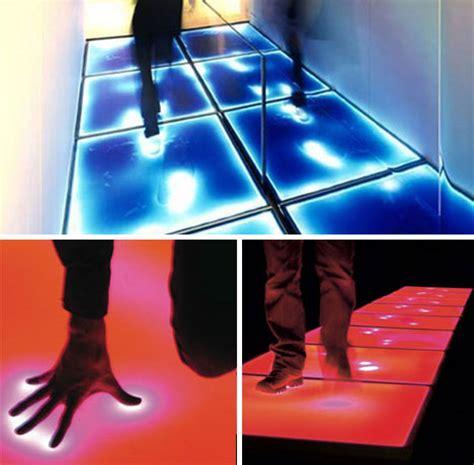Karpet Lantai Bergambar 14 lantai dengan desain kreatif dan modern untuk rumah anda