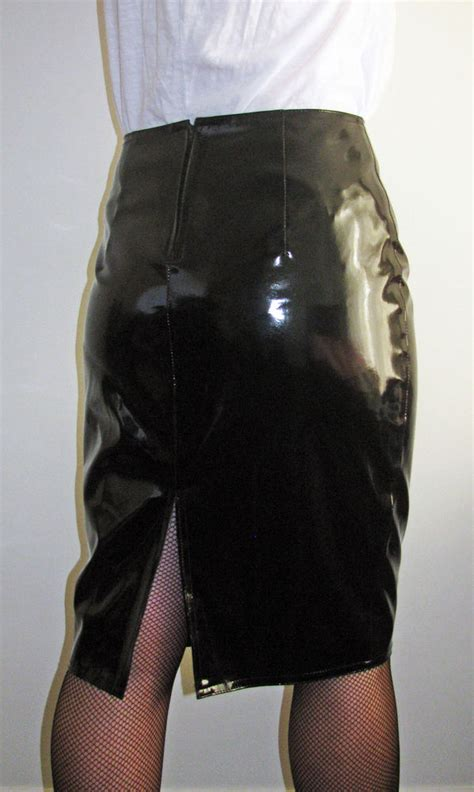 shiny skin tight clothing black pvc knee length