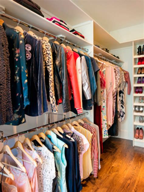 Carrie Bradshaw Closet by 4 Unsurprising Differences Between Sjp S And Carrie