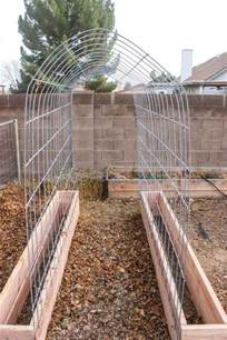 Easy Cucumber Trellis Trellis And Raised Garden Box Combo Diy Projects For