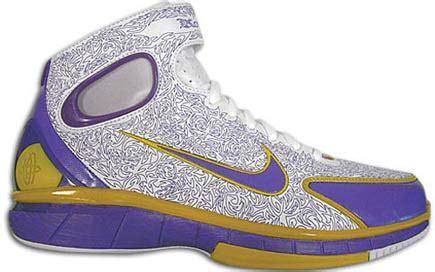Sepatu Basket Nike Hyperev2017 High Lakers sepatu basket nike air zoom huarache 2k4