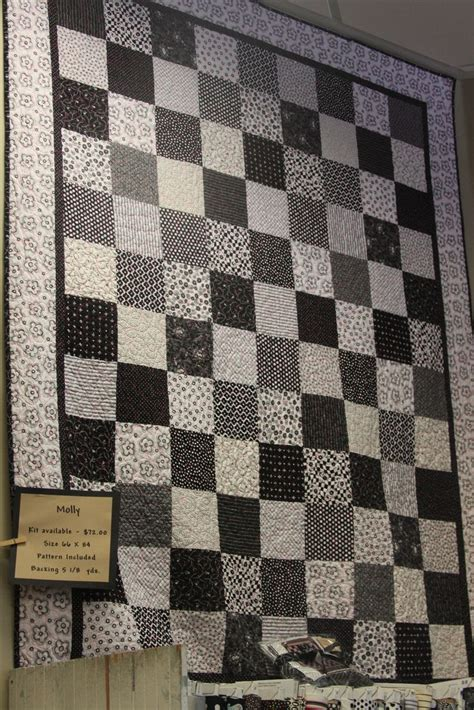 Black And White Patchwork Quilt - 25 best ideas about black and white quilts on