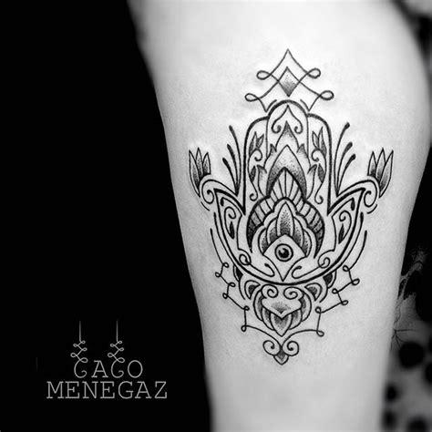 tattoo mandala com penas significado tatuagem de mandala feminina significado pesquisa google