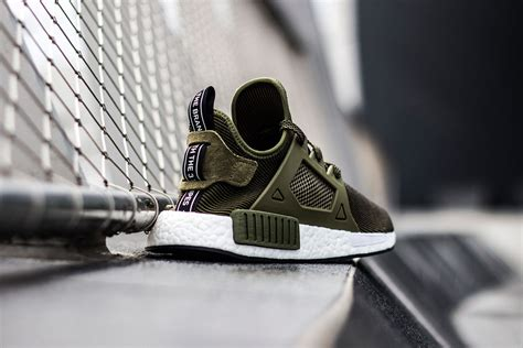 Adidas Nmd Xr1 Vintage Original Putih Suede Adidas Originals Drops Nmd Xr1 Quot Olive Quot Edition Sidewalk