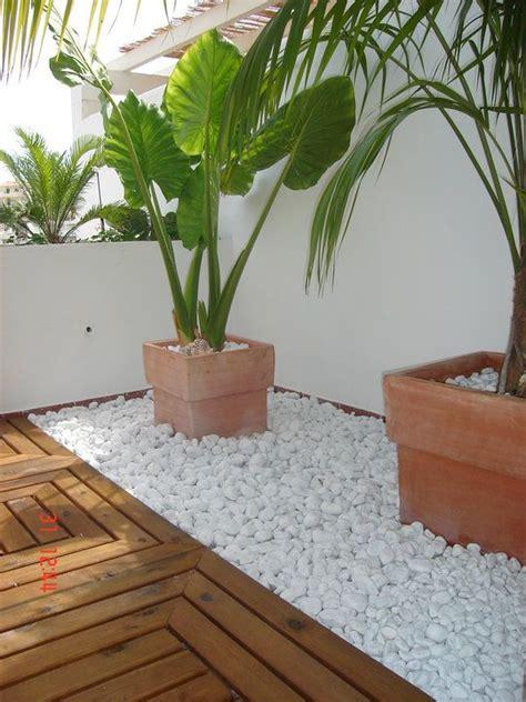 imagenes de jardines hechos con piedras 20 hermosas ideas para decorar tu jard 237 n con piedras