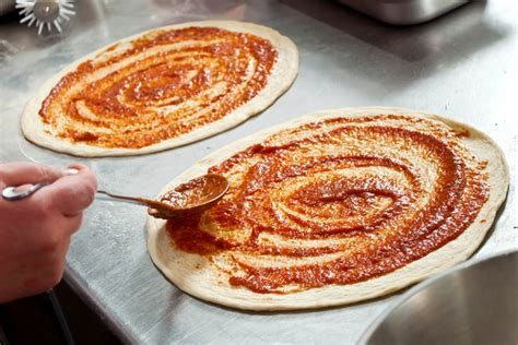 cercasi cameriere torino pizzaiolo in provincia di torino piemonte archivi