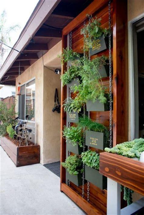diy stacked herb garden hip2save 25 b 228 sta vertical herb gardens id 233 erna p 229 pinterest