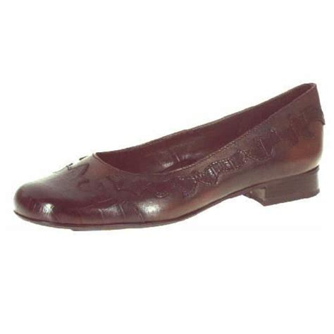 brown flat shoes brown leather flat shoes