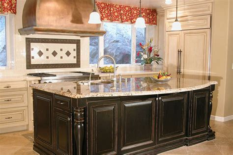 warm paint colors for kitchens pictures ideas from hgtv ivory kitchen cabinets what color walls quicua com