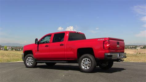 2015 Chevy Silverado 2500 HD 6.0L   Quiet Worker [Review