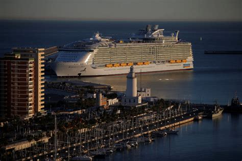world s largest cruise ship debuts with high energy high photos world s biggest cruise ship makes worldwide debut
