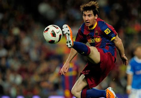 biography of lionel messi in spanish the business of soccer