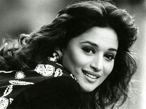madhui dixit latest updo and hair styles madhuri dixit hairstyles bblunt
