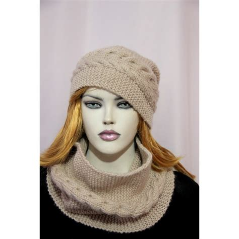 hat and scarf for hekaia