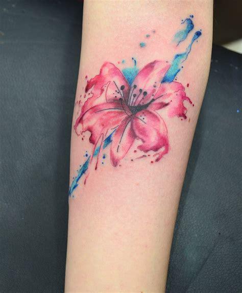 flor lilium en acuarelas by javi wolf tatuajes para
