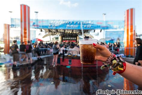 70000 tons of metal 2018 news moshpit pictures