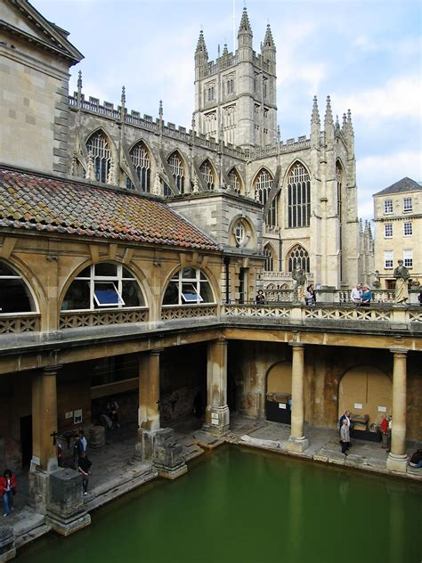 bathtubs uk file roman baths bath jpg wikimedia commons