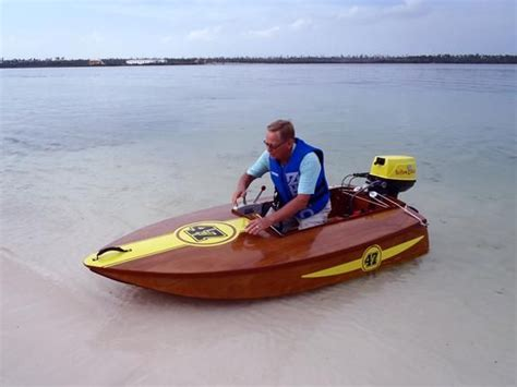 small boat race small outboard race boats video search engine at search