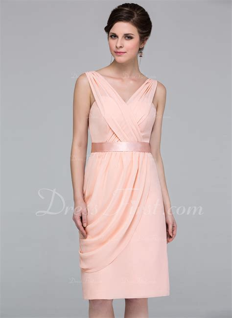 a linie v ausschnitt knielang chiffon brautjungfernkleid mit perlen verziert ruschen gefaltet p419 etui linie v ausschnitt knielang chiffon