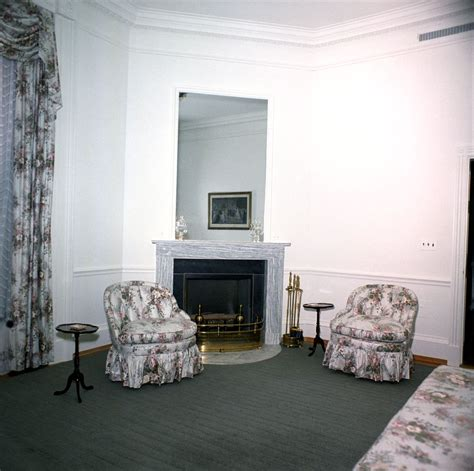 White House Fireplaces by Kn C20271 Sitting Room White House F