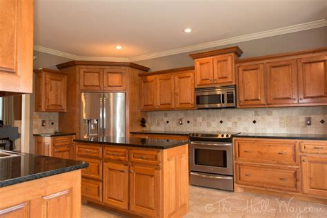 Maple Colored Kitchen Cabinets Popular Kitchen Colors With Maple Cabinets Best Kitchen Paint Kitchen Style