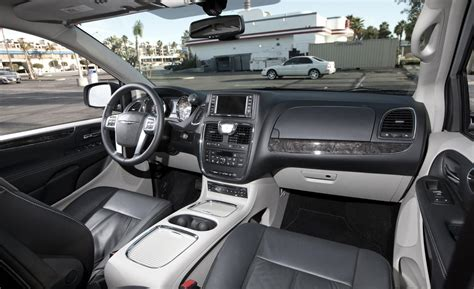 Chrysler Town And Country Interior by 2011 Chrysler Town And Country Interior 2011 Chrysler