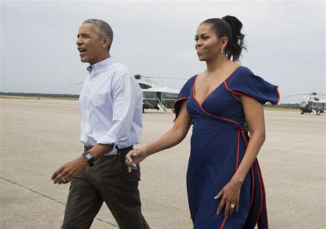 obama s vacation first family arrives at martha s vineyard for 2 week break