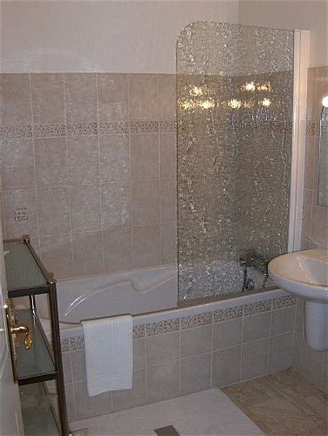 Remove Soap Scum From Glass Shower Door How To Remove Soap Scum From Shower Doors And Walls With Common Household Products Vinegar