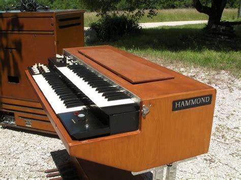 Organ L by Hammond L100 P Image 226091 Audiofanzine