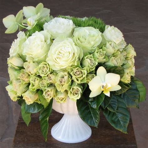Gardenia Mist By Rossa Sweet Orchid Modern Wedding Centerpiece With Green Phalaenopsis Orchids