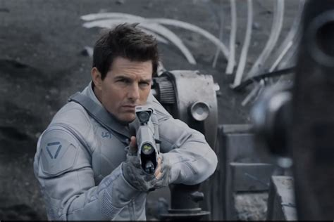 film tom cruise science fiction oblivion trailer tom cruise in a science fiction epic