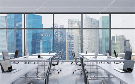 la ciudad con ventanas lugares de trabajo en una oficina panor 225 mica moderna singapur la ciudad vista desde las