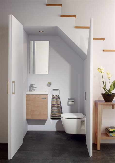 ideal standard bathroom design idee per usare lo spazio sotto una scala mansarda it