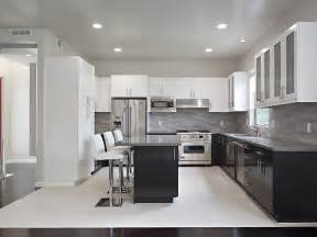 Two Color Kitchen Cabinets Ideas ideas of decorating kitchen with two tone kitchen cabinets kitchen
