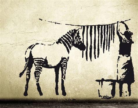 banksy wandtattoo wandtattoo banksy zebra waschstation streetart stripes