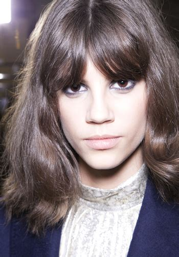 hairstyles in canada hairstyle tips how to grow out your bangs elle canada