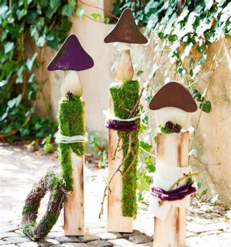 Gartendeko Mit Altem Holz by Fotos On