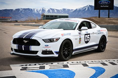 racing mustangs higher learning in high gear with ford performance racing