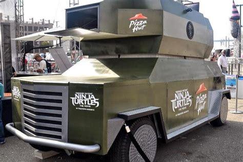 pizza hut lance  pizza thrower operation marketing