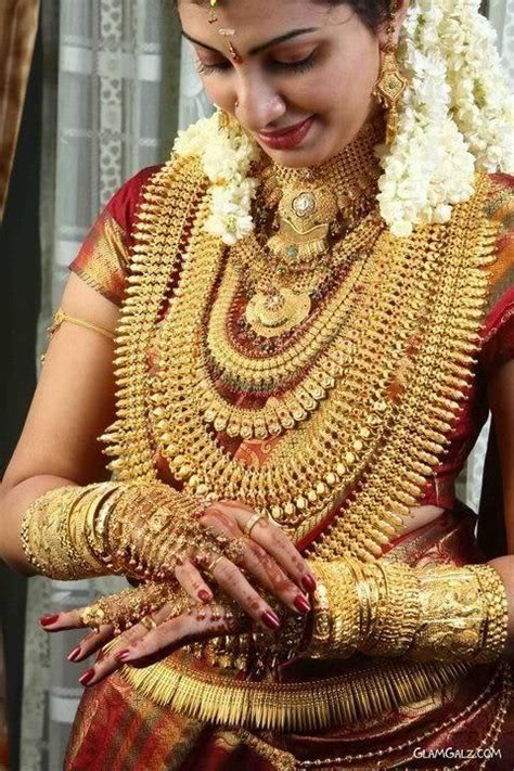 Wedding Ala India by Kerala Wedding Intimate Matrimony