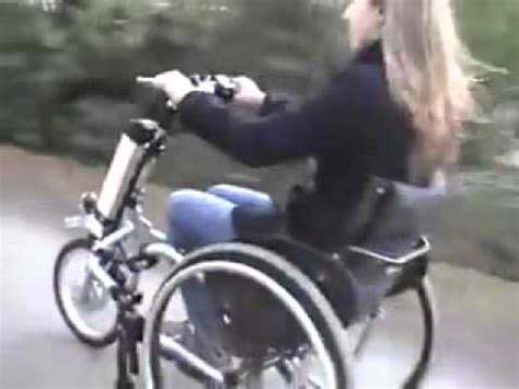 Kursi Roda Bermesin kursi roda menjadi roda tiga bermesin