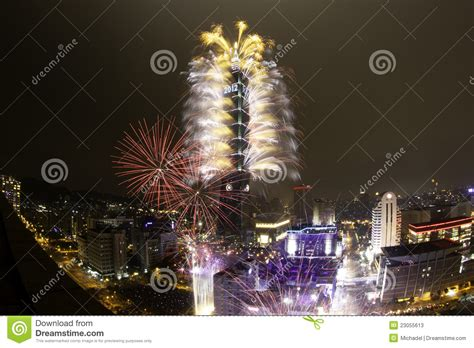 happy new year in taiwan 2012 taipei 101 happy new year fireworks stock photos