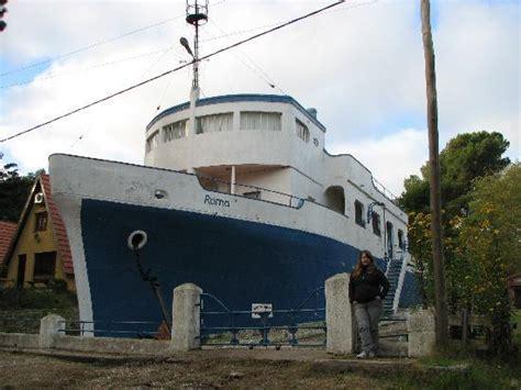 fotos casas de co foto de la casa barco construida en cemento picture