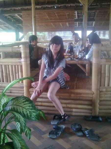 takjub indonesia rumah makan ponyo nagrek