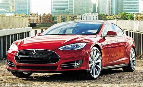 Tesla P85 Torque Chris Reviews Tesla Model S P85 Daily Mail