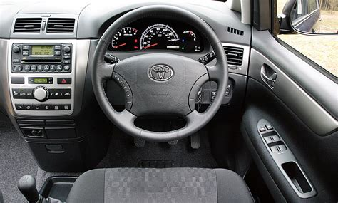 Toyota Avensis 2006 Interior by Toyota Avensis Verso Specs 2003 2004 2005 2006