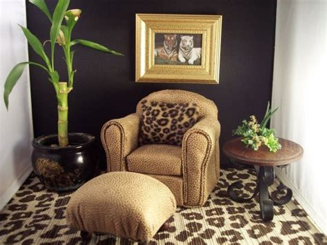 animal print living room decor leopard print how to make it trendy not tacky