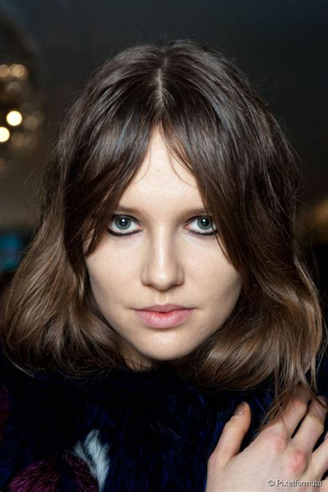 long bang with middle part start the week in style middle part hairstyles