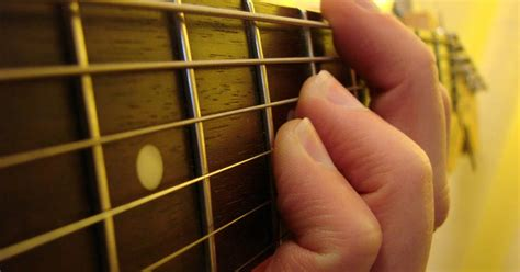 tutorial cara bermain gitar bass loovo music blog tutorial dan artikel musik