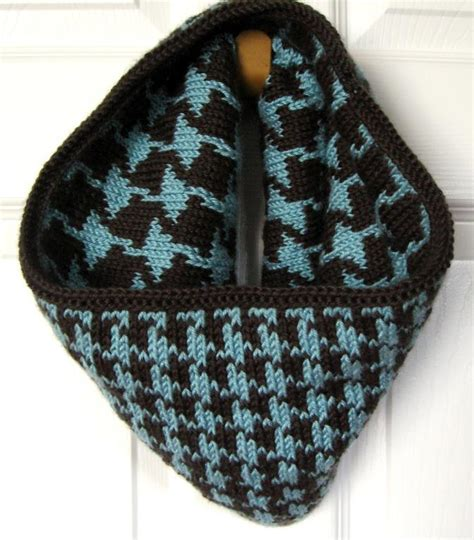 how to knit houndstooth reversible houndstooth cowl by kraftling craftsy